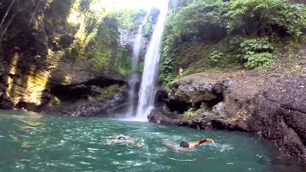 Lokasi Objek Wisata Air Terjun Aling-Aling terletak di desa Sambangan, kecamatan Sukasada, kabupaten Buleleng, Bali