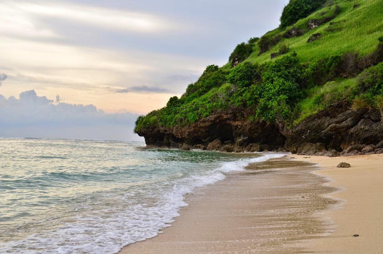 Pantai-Gunung-Payung-1